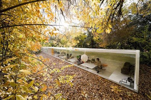 El estudio de arquitectura de Selgas Cano, situado en medio de un bosque